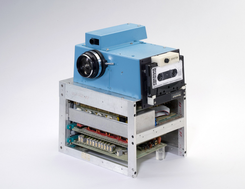 first_digital_camera